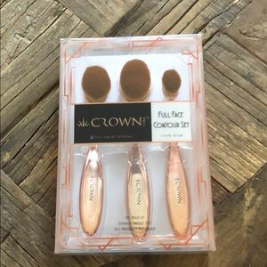 Crown Pro-Full Face Contour Set of brushes